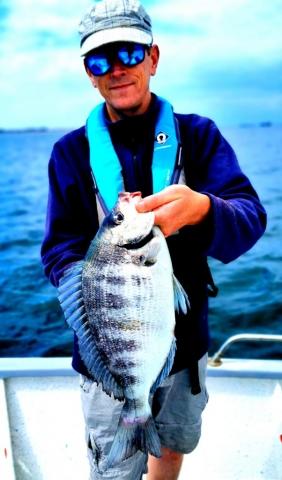 Pierre-Yves Perrodo guide de pêche dans le Golfe du Morbihan